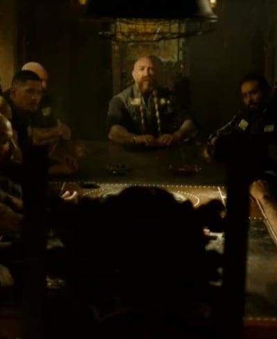 Un siège à la table - Mayans MC Saison 3 Episode 4