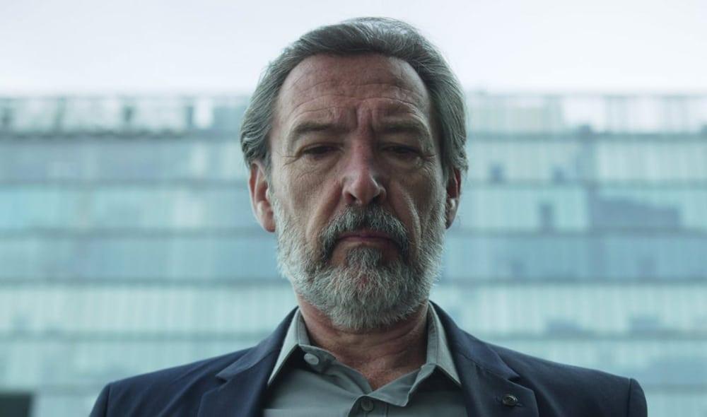 César dans Qui a tué Sara saison 2