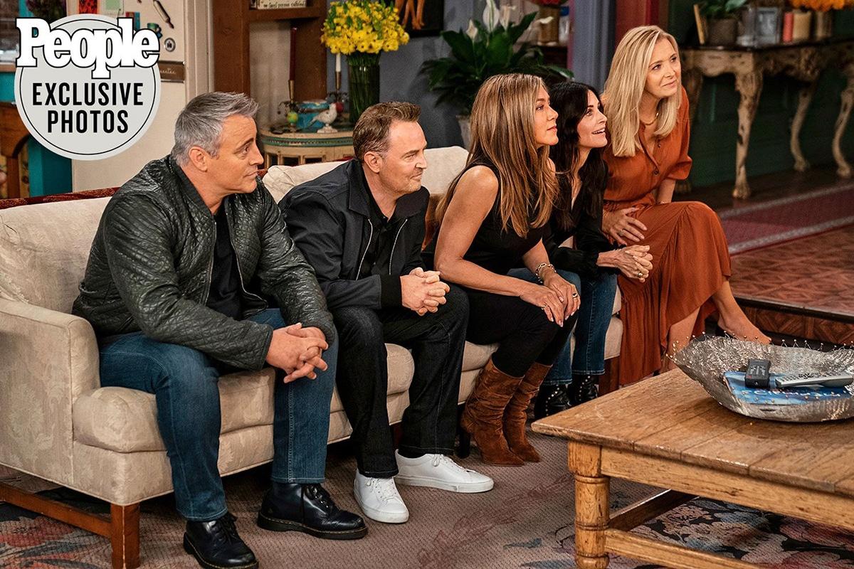 photo des acteurs de Friends dans l'épisode spécial