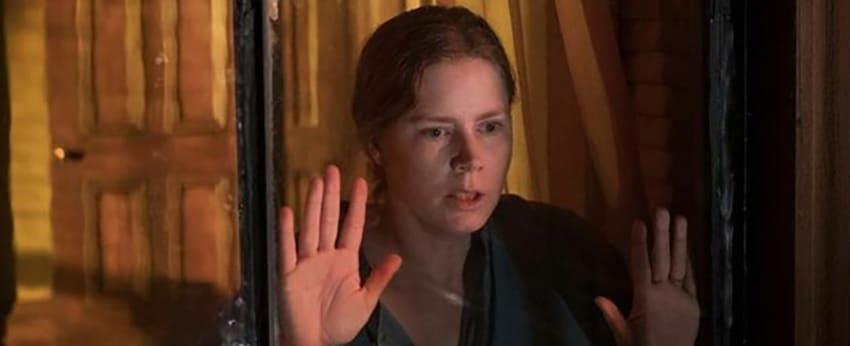 Anna assiste à un meurtre