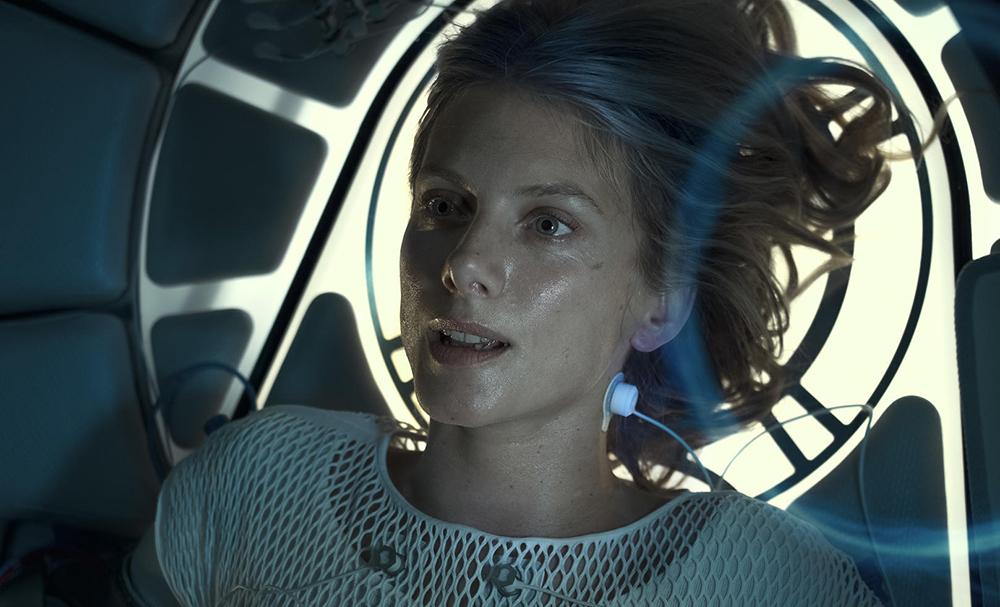 Mélanie Laurent dans le rôle de Liz dans Oxygène