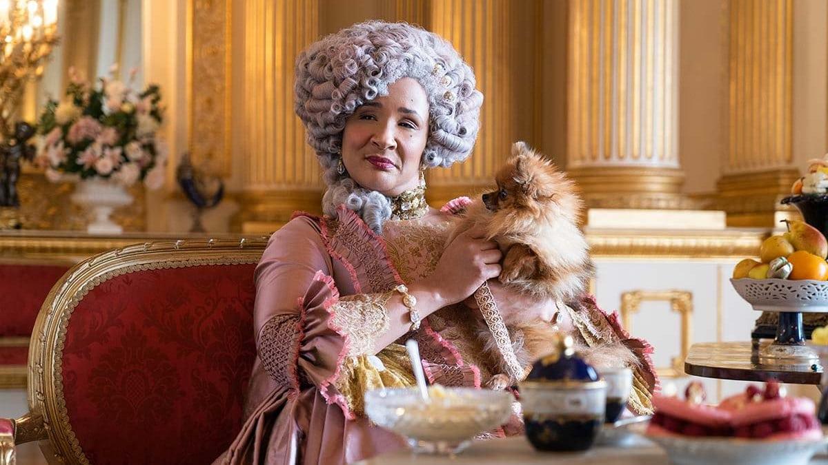 Golda Rosheuvel joue la reine Charlotte dans La Chronique des bridgerton